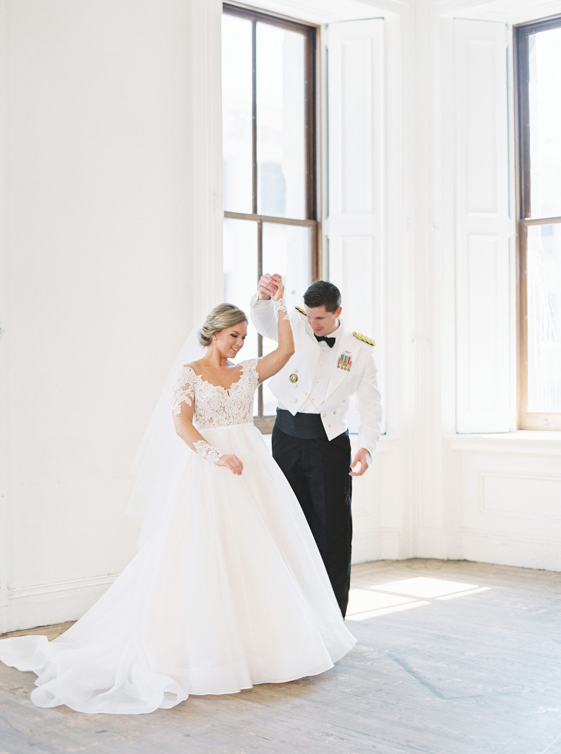 9f3f643e42 A Classic Wedding at the San Francisco Mint with an Organic Touch in ...
