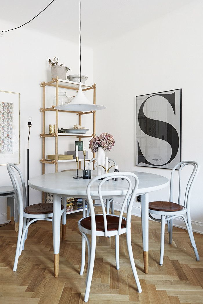 The Only Clutter Hacks That Actually Work Says A Professional Organizer White Round Dining Tablesmall Roomswhite