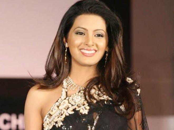 Geeta Basra My Second Hand Husband Role Like Sridevi S In Judaai Geeta Basra Second Hand Husband Celebrities