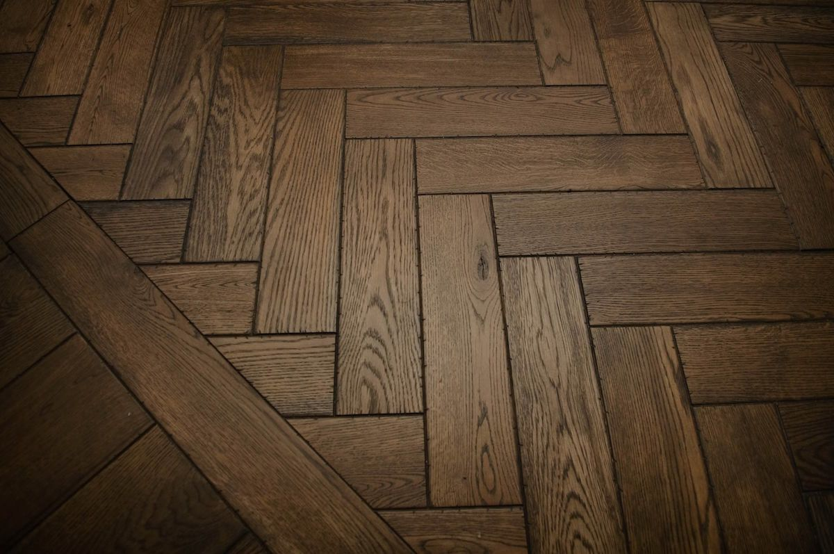 Solid White Oak Character Plain Sawn Herringbone Distressed Graf Herringbone Hardwood Floors Herringbone Wood Modern Wood Floors