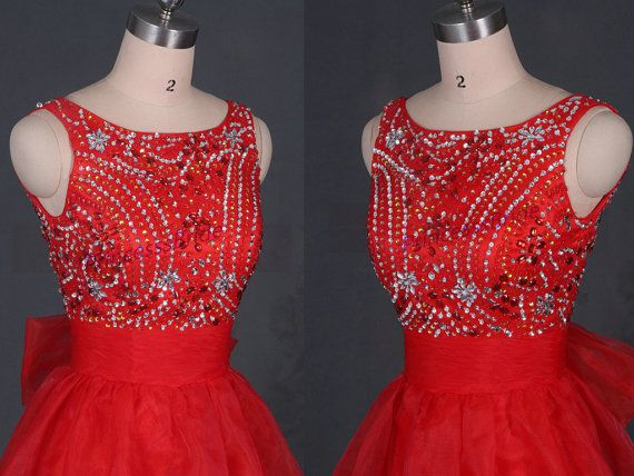 Short red tulle prom dresses with rhinestons2015 door PrincesssBride