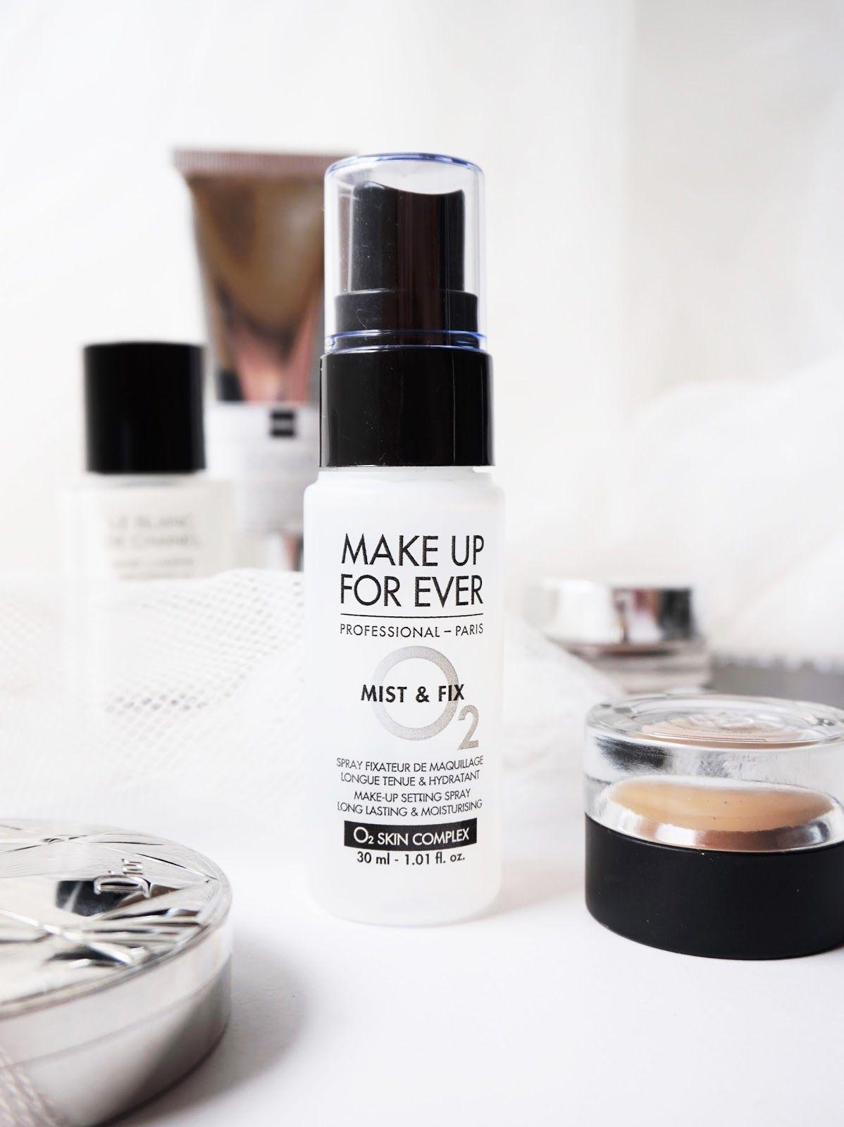 Le spray fixateur de maquillage Mist & Fix de Make Up For