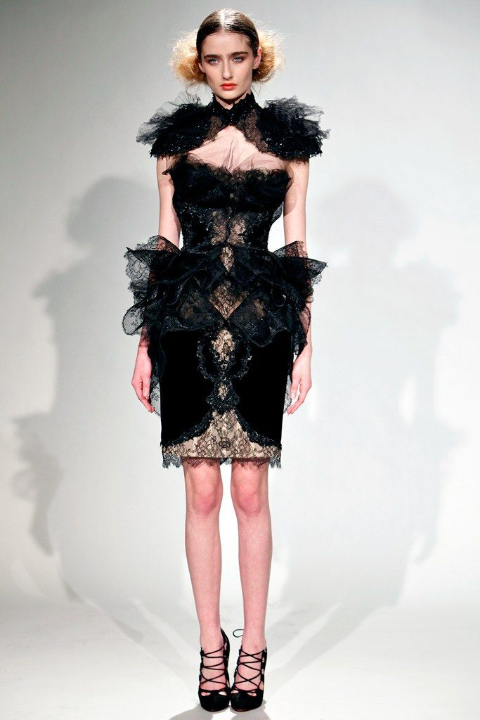 Marchesa Fall 2011 Ready-to-Wear Collection Photos - Vogue