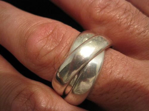 Sterling Silver Interlocking Triple Band Rolling Ring Trinity