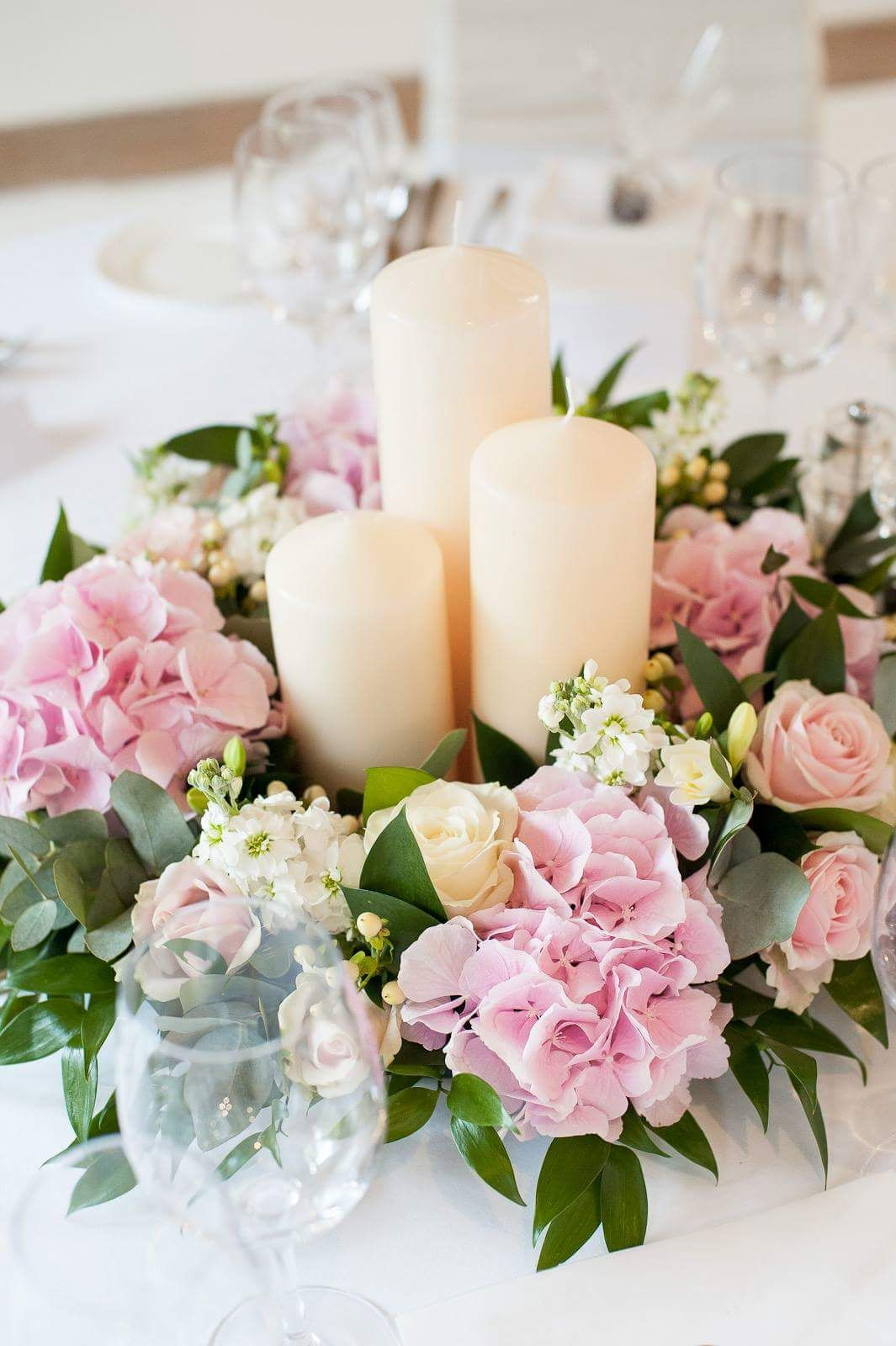 Hydrangea Rose Pink White Ivory Low Candle Arrangement Guest Table Centre Wedding Kent London Chi Decoration Mariage Fleurs Mariage Deco Mariage