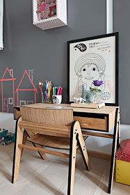 Min_e: Children's Desks and Creative Spaces
