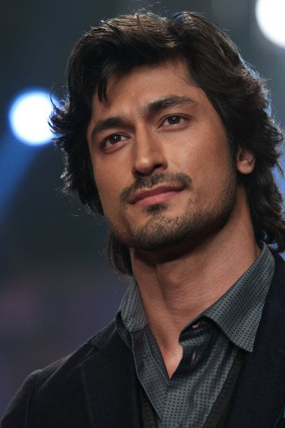 Vidyut Jamwal Is A South Asian Indian Actor He Is A -4276