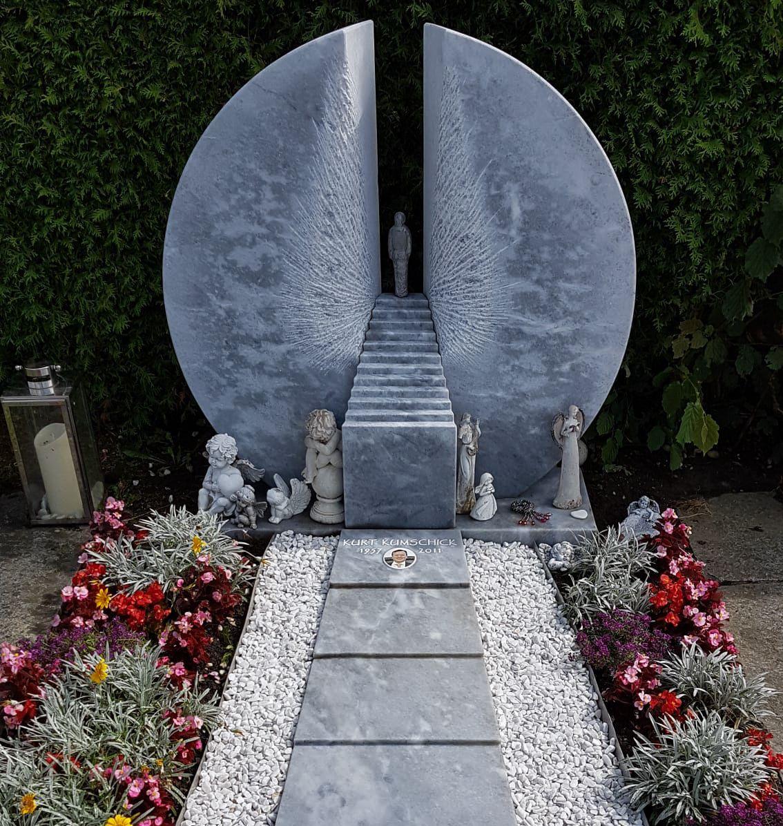 Unsere Moderne Interpretation Einer Himmelstreppe Was Meint Ihr Himmelstreppe Stairwaytoheaven Grabstein Grabmal Familiengra Steinkunst Grabstein Steine