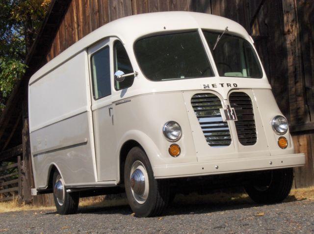Vintage International Metro Step Delivery Van Truck Panel Truck Harvester Bread Vans Vintage Vans Panel Truck
