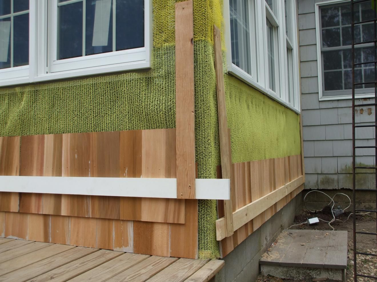 Decor tips how to repairing cedar shake siding ideas for Cedar siding house plans
