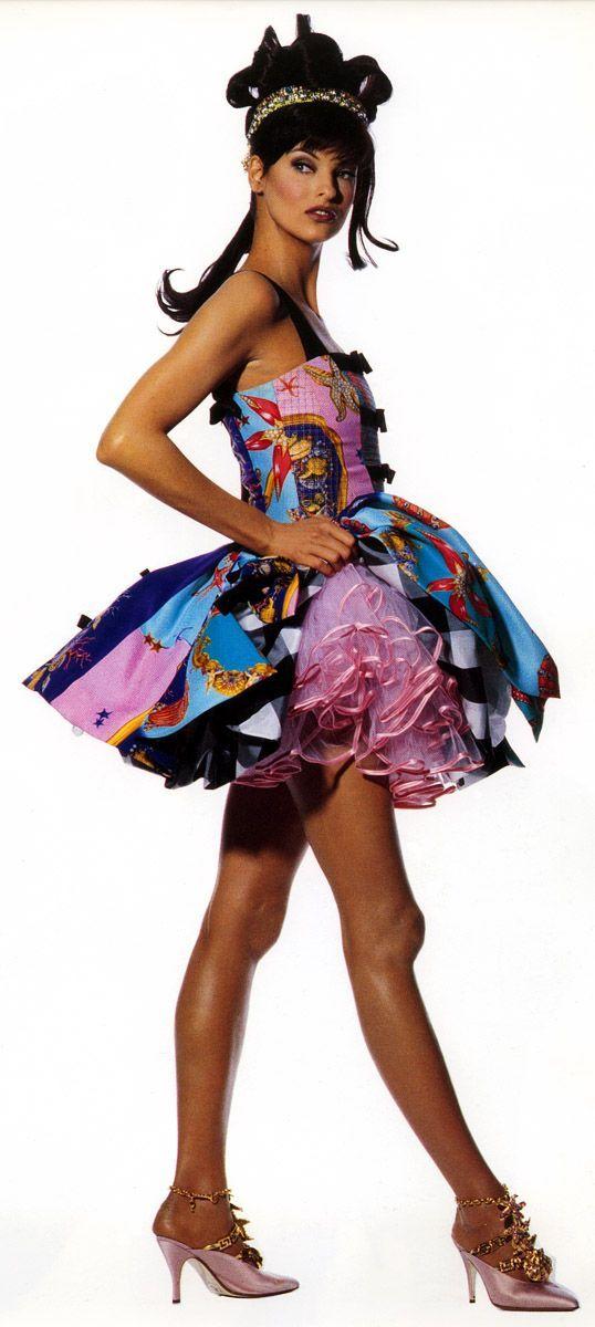 Linda Evangelista - Versace Spring 1992 | Moda, Foto