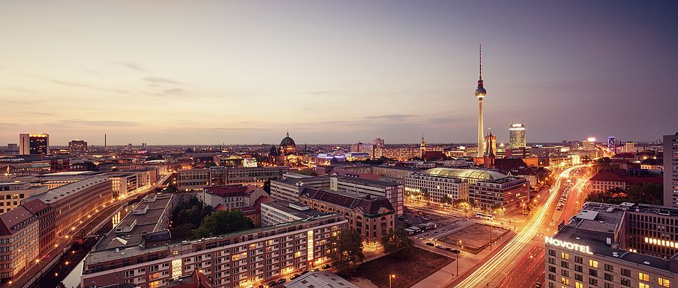 Berlin Cityscapes On Behance Cityscape Berlin Photography