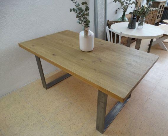 Mesa de comedor industrial de madera maciza con tablero de for Tablero madera maciza
