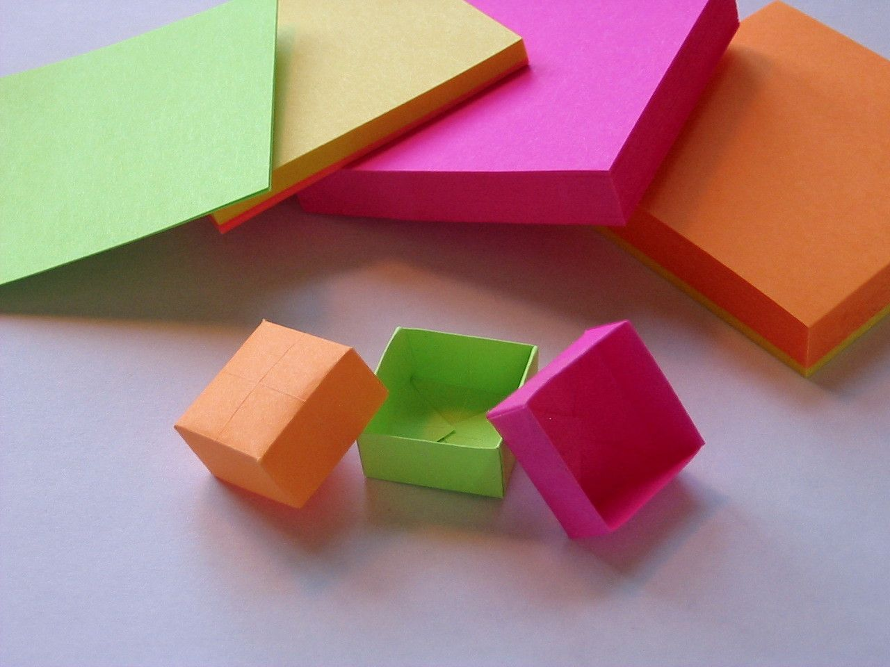 Origami Post-it Box   Sticky notes and Origami - photo#49