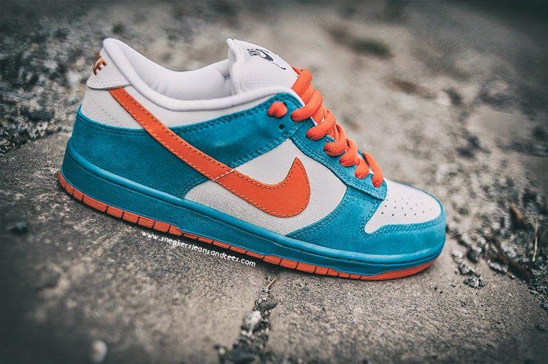 cd4566d92a 2005 #NikeSB #Dunk Low #EMB