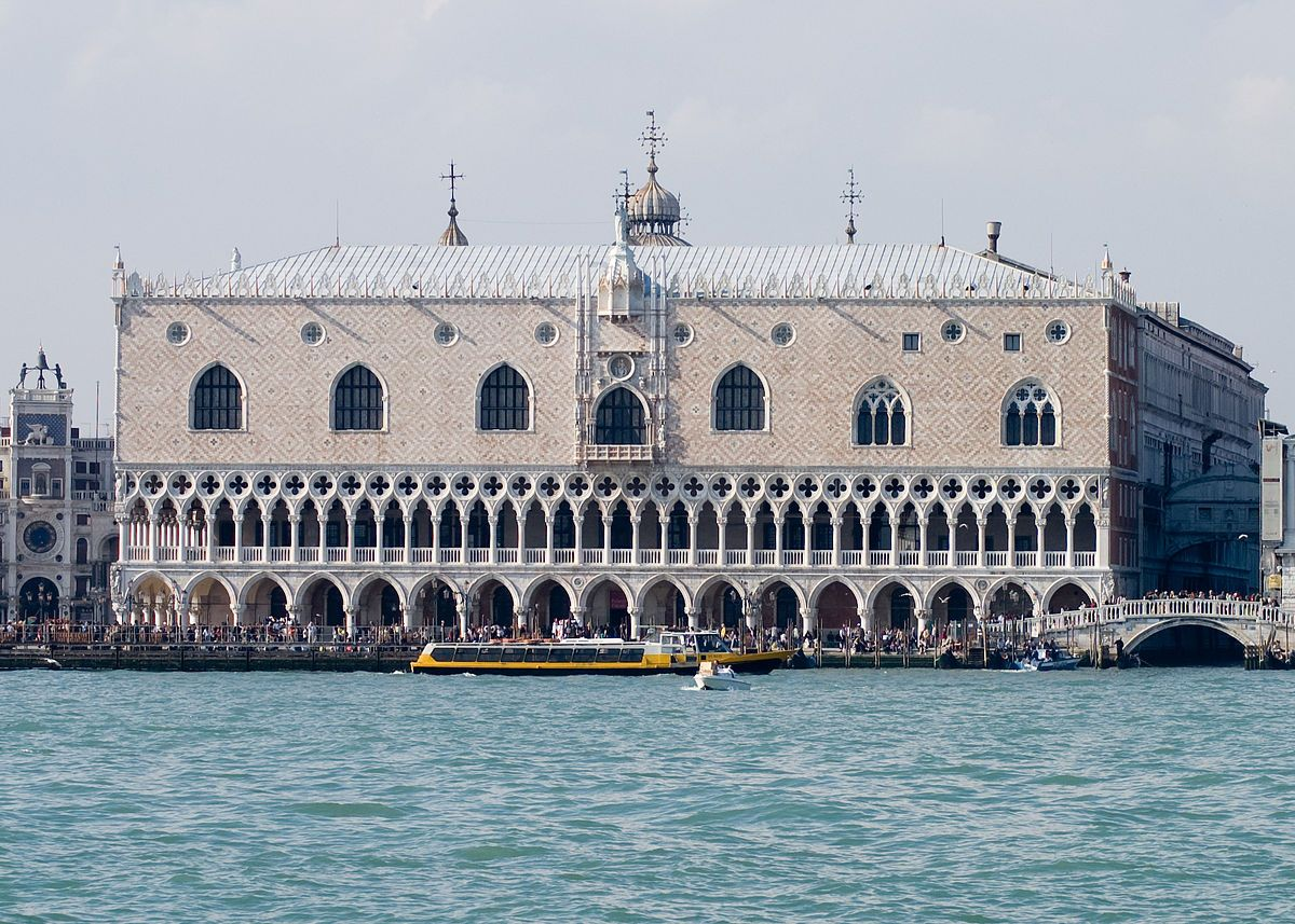 Doge S Palace Venice Built In 1340 0 9 Pinterest # Muebles Piazza Bucaramanga