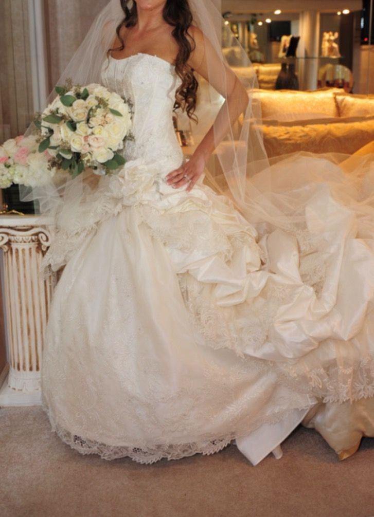 St. Pucchi 501, $2,500 Size: 8 | Used Wedding Dresses | Wedding ...