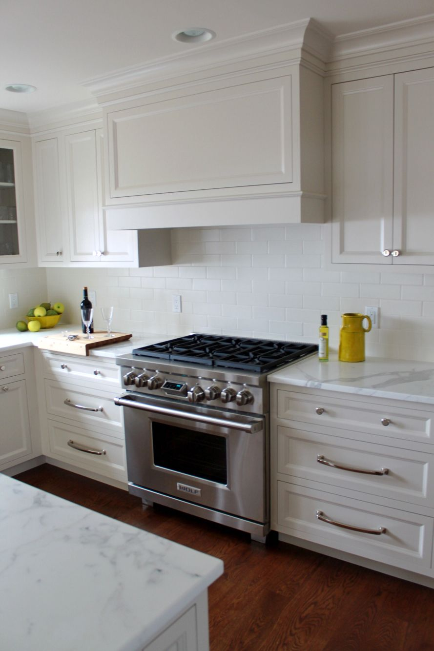 A Clean Transitional Kitchen Done With Pennville Cabinetry And Wolf Appliances Lkbkitchens Allwhiteeverything Kitchen Remodel Kitchen Transitional Kitchen