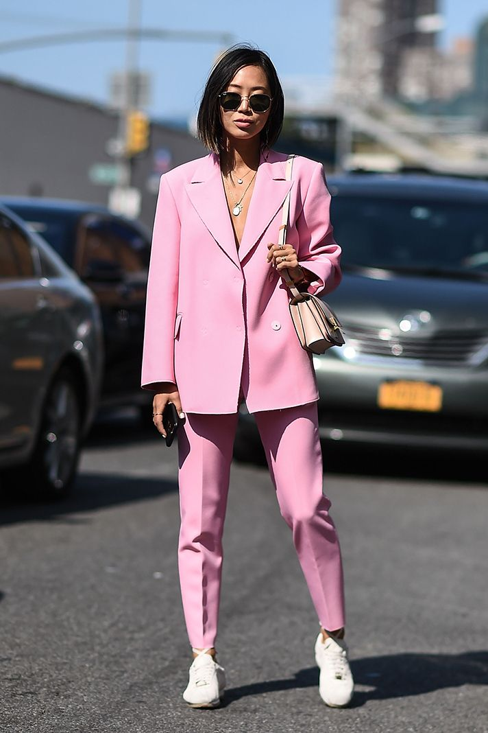 The Best Street Style From New York Fashion Week Spring 2018 ... bf4a3a915a4a