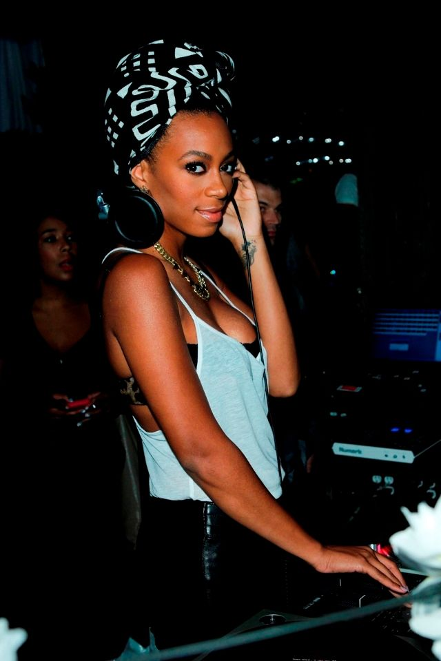 Solange in a turban + big headphones...does it for me every time