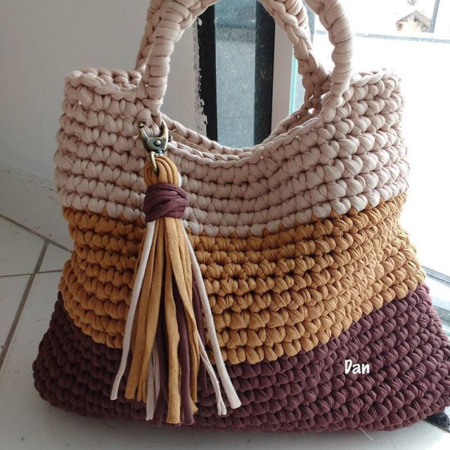 Bolso Hecho Con Trapillo Tejidos Pinterest Croche Ganchillo - Bolsos-ganchillo-crochet