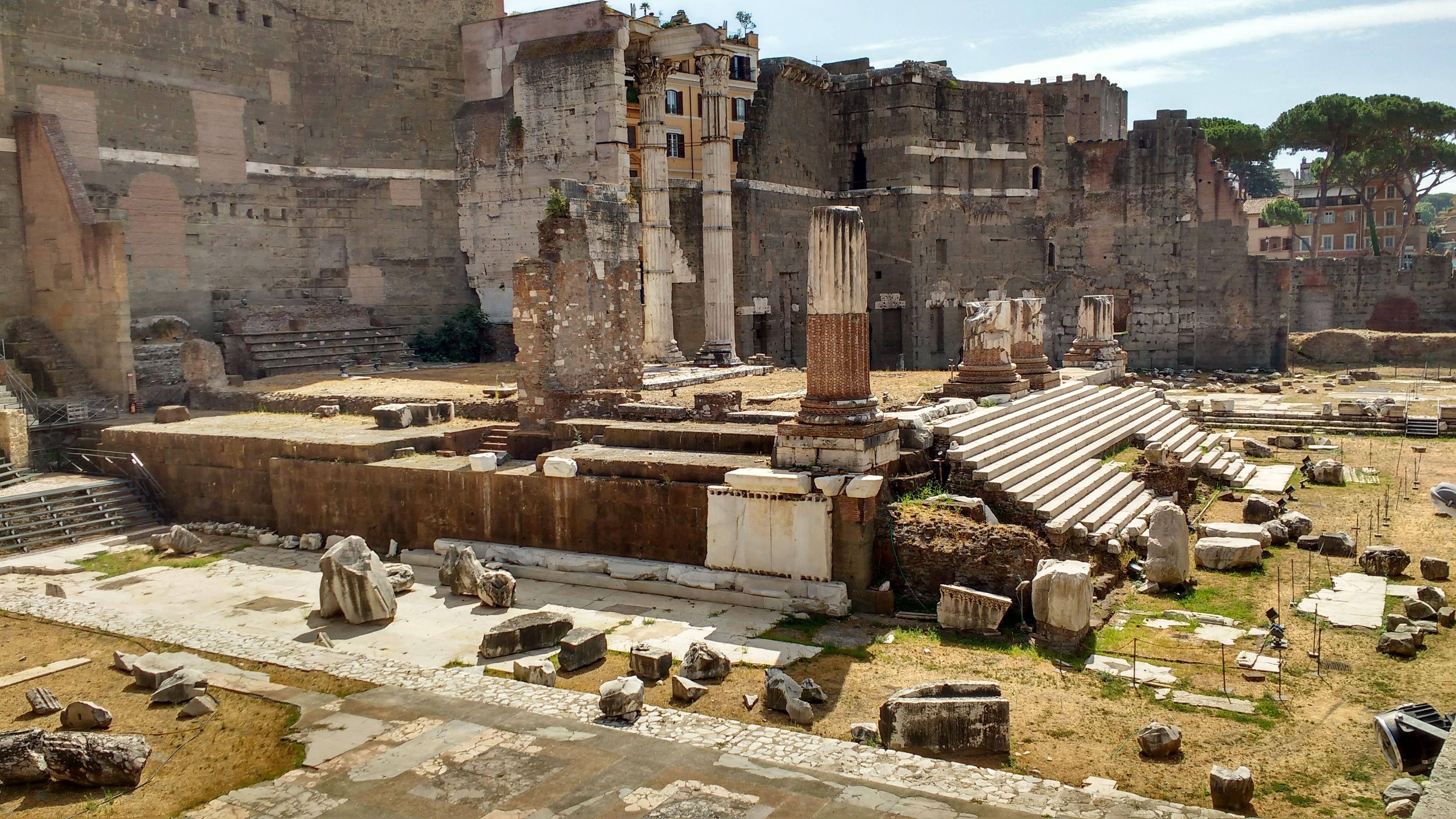 Roma - Fori Imperiali - Scalinata del tempio di Marte - Foto di Bea