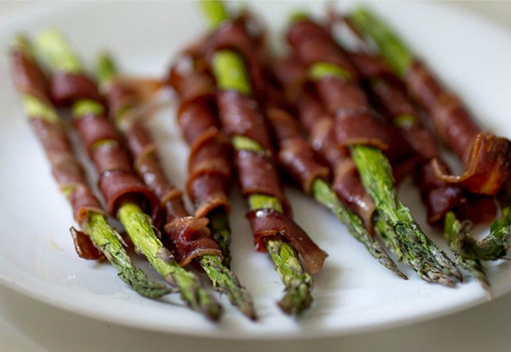 Turkey Bacon Wrapped Asparagus - With a Splash of Color in ...