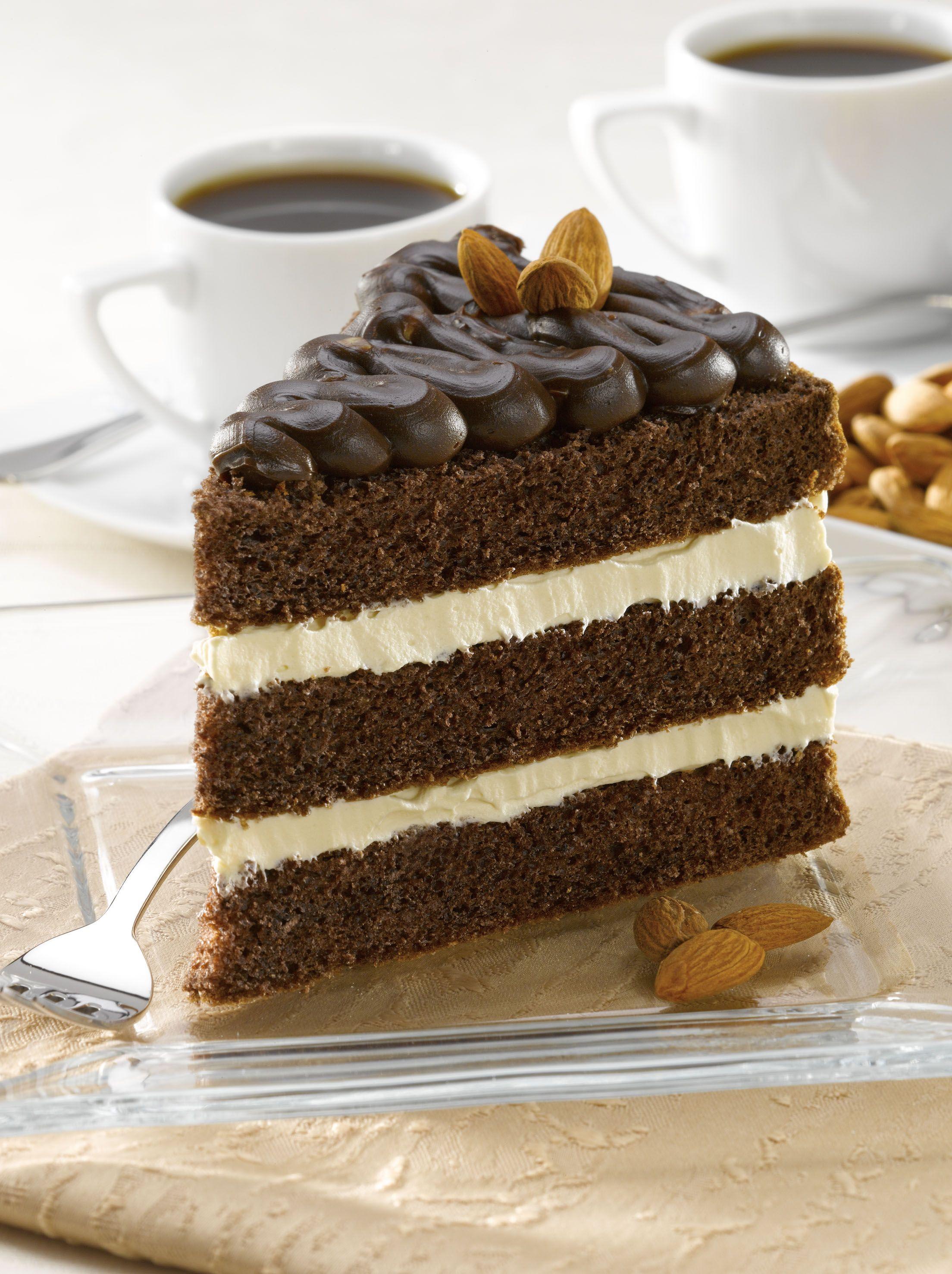 Torta De Chocolate Con Crema Diplomatica Y Cafe Sin Azucar
