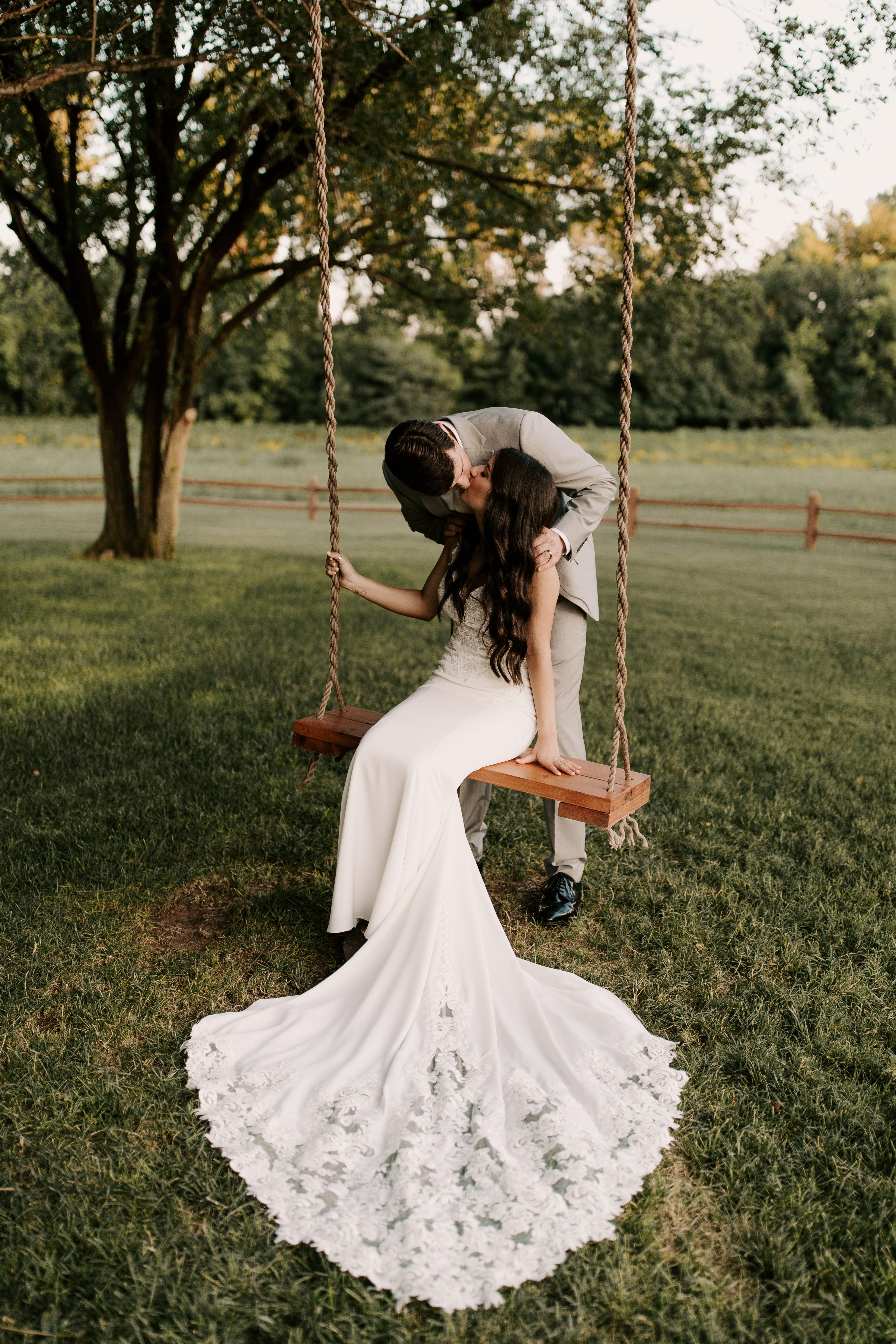 A Summer Wedding in Edmond   Oklahoma wedding, Summer wedding ...