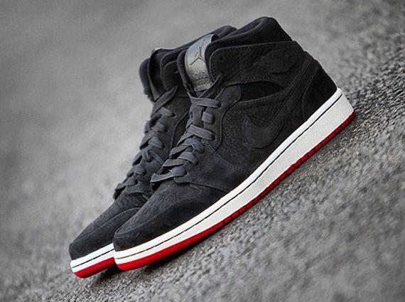 Air Jordan 1 Mid - Black Suede - Red