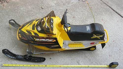 New Bright RC Remote Control Snowmobile Ski-Doo ...