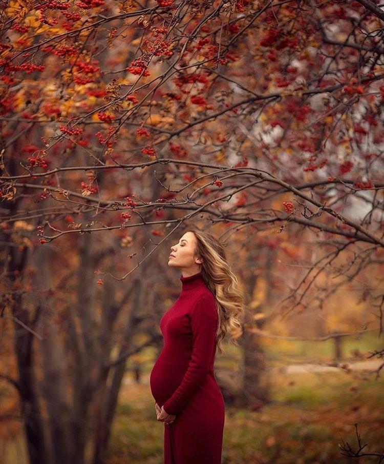 Autumn pregnancy shot idea. @instagram #adamtasimages #fallmilkbathbaby Autumn p…