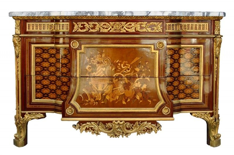 Somptueuse commode marquetée style Louis XV d\u0027après Riesner