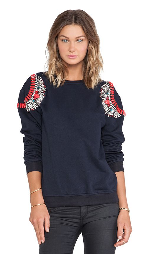 Stunning shoulder detail on such a simple jumper
