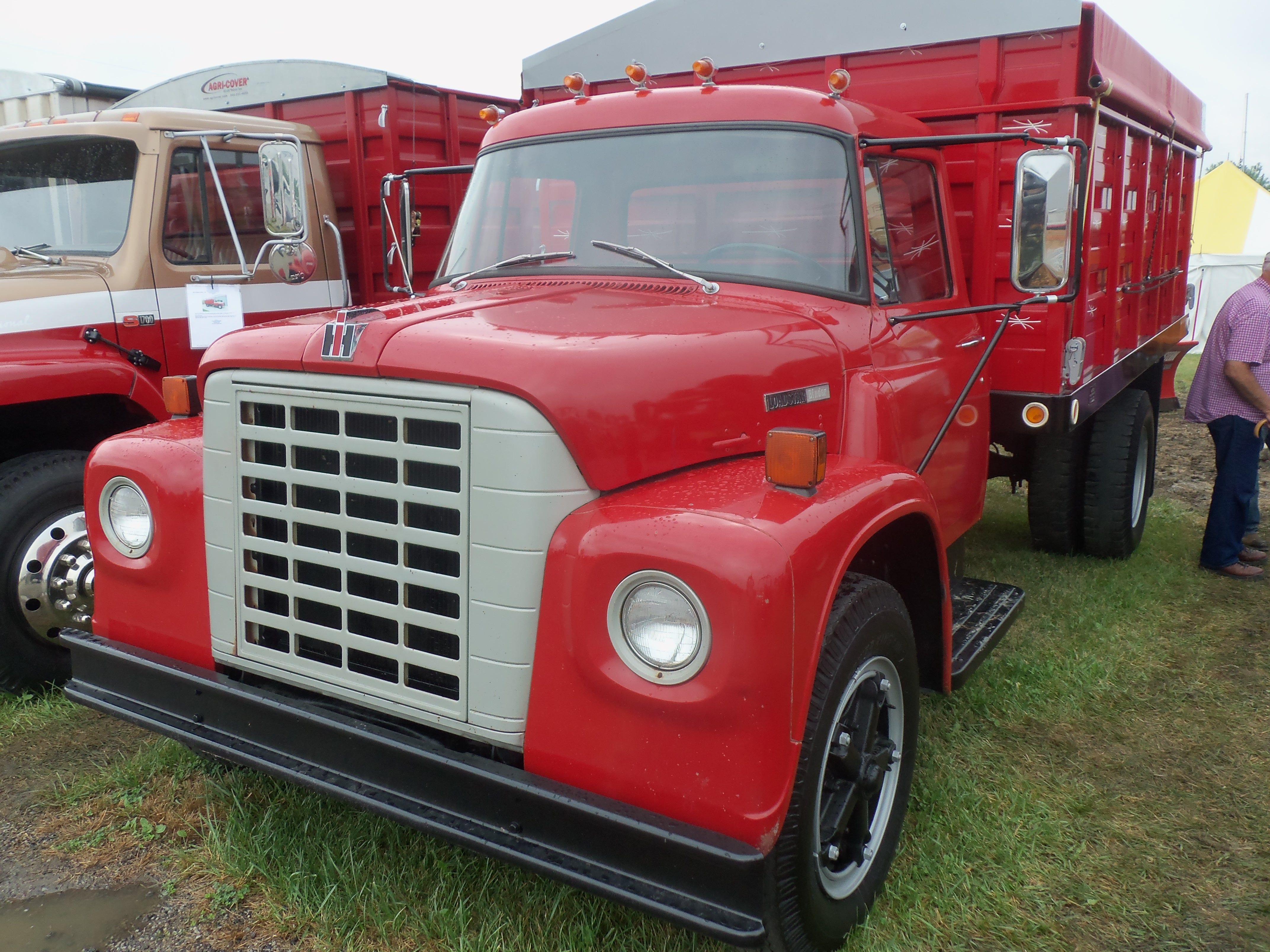 Beautiful looking red International Loadstar truck | My truck
