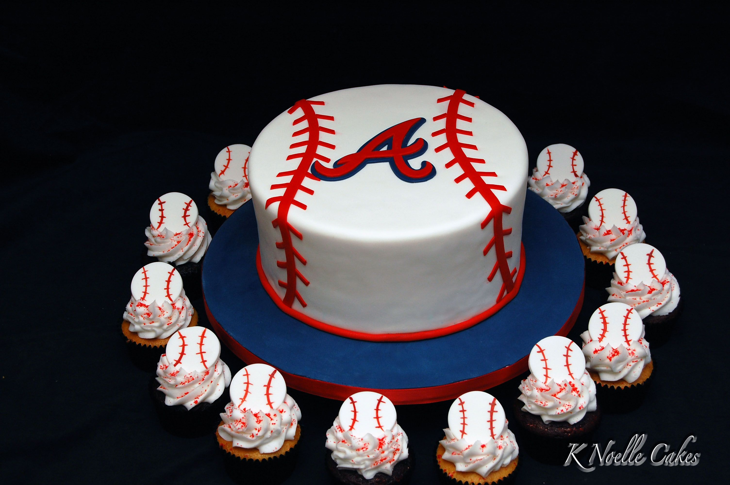 Atlanta Braves Theme Cake With Cupcakes Brave Birthday Cakes Atlanta Braves Cake Atlanta Braves Birthday