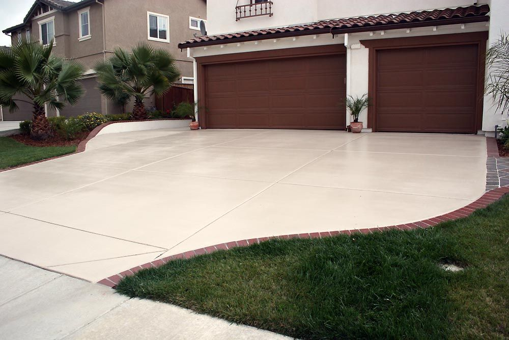 Concrete driveway paint colors driveways and paths for Cement driveway ideas