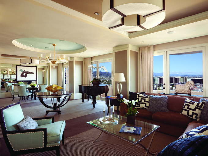 Over The Top American Hotel Suites For The 1 Percent Furniture Placement Living Room Contemporary Living Room Furniture Hotel Suite Luxury