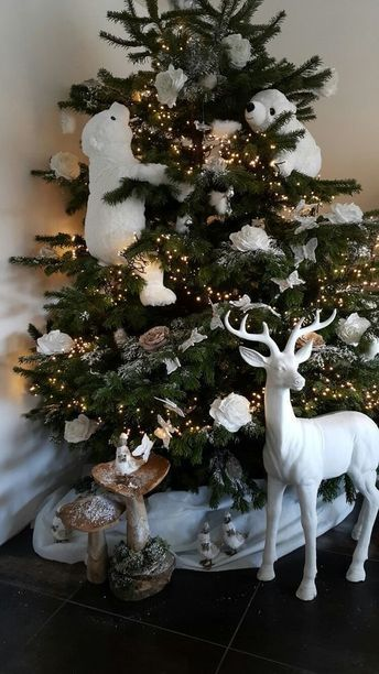 100 Festive Christmas Tree Ideas that'll make the