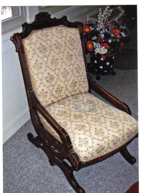 Collectibles-General (Antiques): nursing rocker or sewing rocker/value,  upholstery tapestry, sewing rocker - Collectibles-General (Antiques): Nursing Rocker Or Sewing Rocker