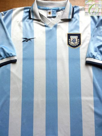 e9abad23eb5 Relive Argentina s 1999 2000 international season with this vintage Reebok  home football shirt.