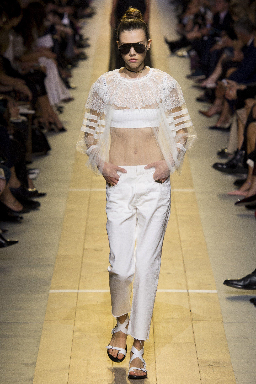 2d6c914d242a  ChristianDior  fashion  Koshchenets Christian Dior Spring 2017 Ready-to-Wear  Collection Photos - Vogue
