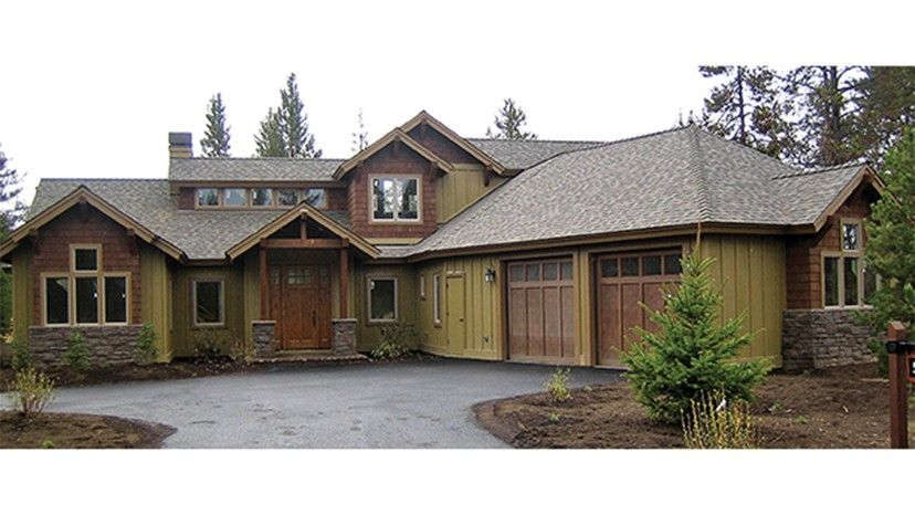 Floor Plan AFLFPW77155 Is A Beautiful 2350 Square Foot Craftsman Home Design  With 2 Garage Bays