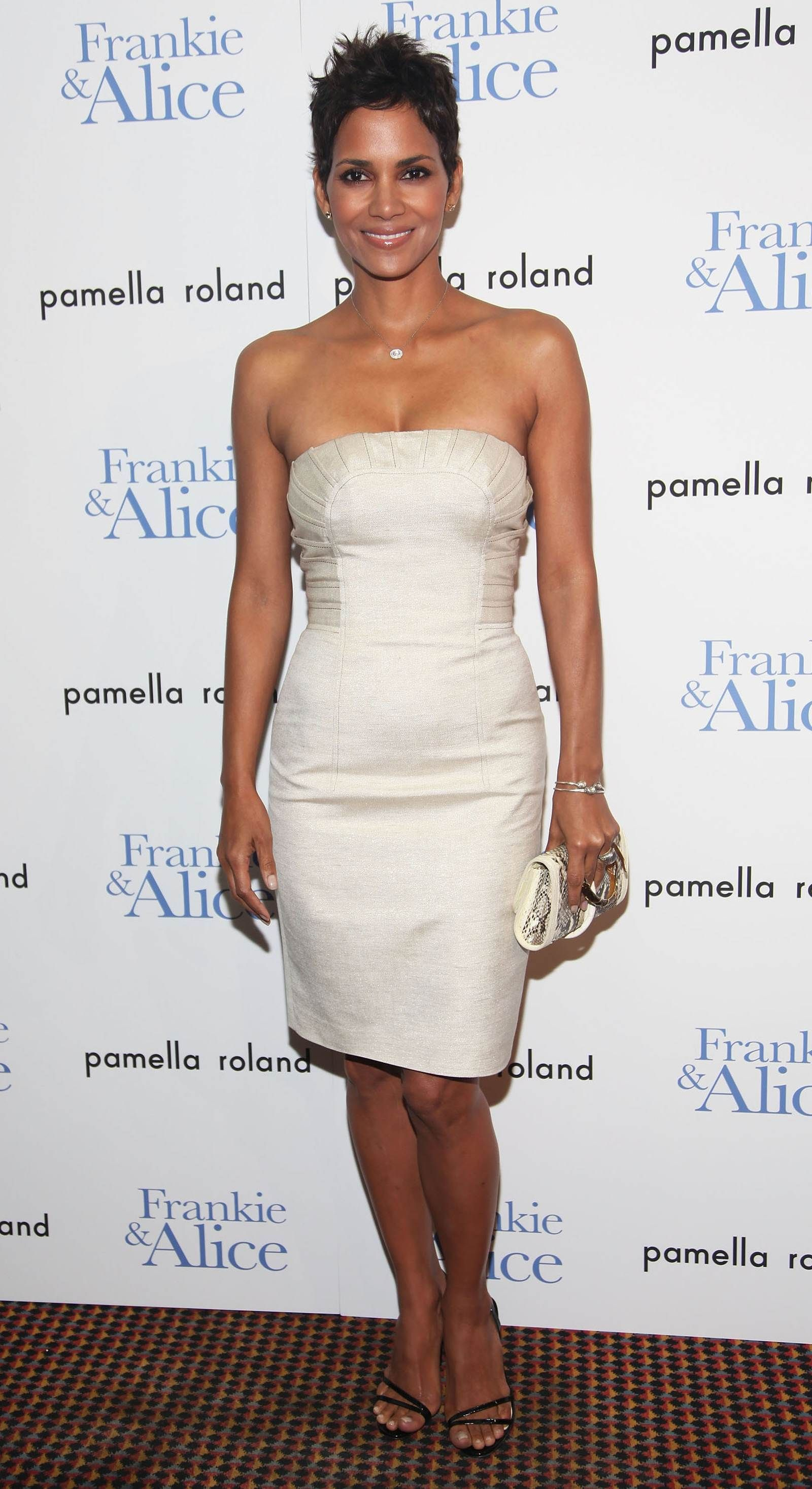 Halle Berry - Pamella Roland Dress  Celebrity Styles In -2164