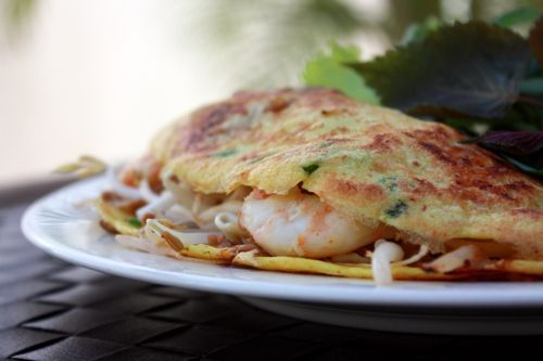 ... banh-xeo-vietnamese-sizzling-crepe/ | Vietnamese Food | Pinterest