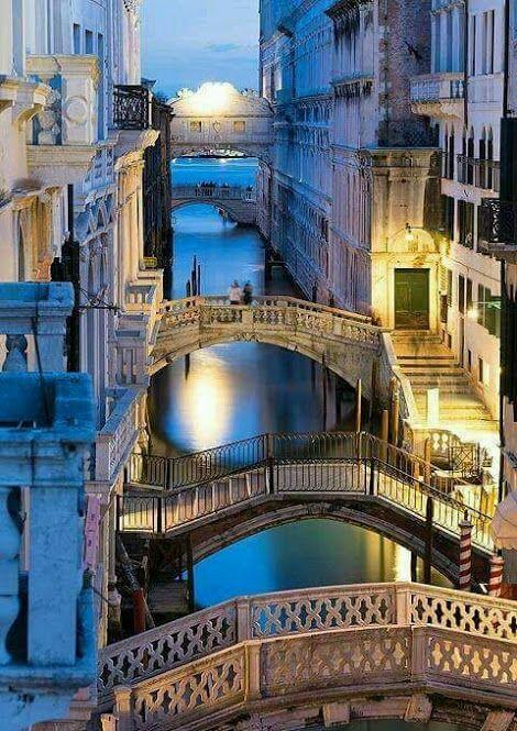 Venedig, Italien. Den passenden Koffer für eure Reise findet ihr bei uns: www.profibag.de/... Luxury Beauty - http://amzn.to/2jx73RT