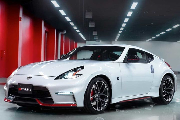 2017 Nissan Nismo 350 Hp Liters Engine Manual Transmission From 0 To 60 Mph In Just 5 Sec And Max Sd Of 155