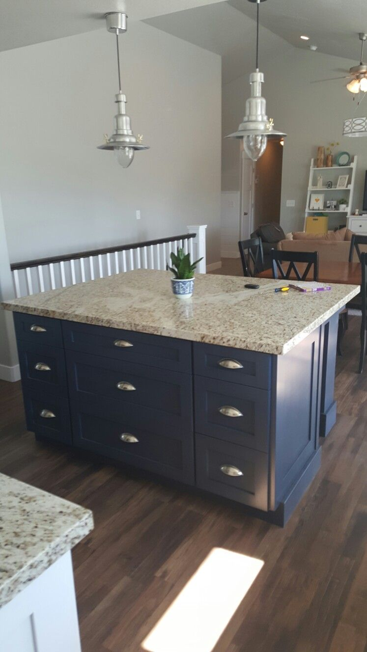 Hale Navy Island By Benjamin Moore Kitchen Makeover New Homes Home Projects