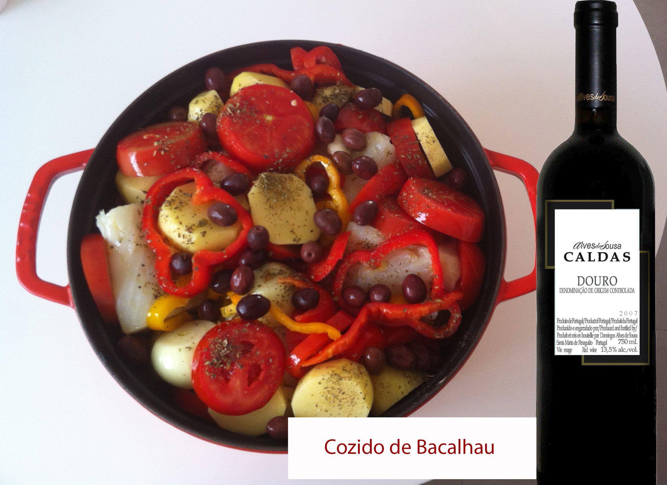 Harmonização: Cozido de Bacalhau e vinho Caldas Douro Reserva, de Portugal. Você encontra esse vinho na Decanter, clique e veja.