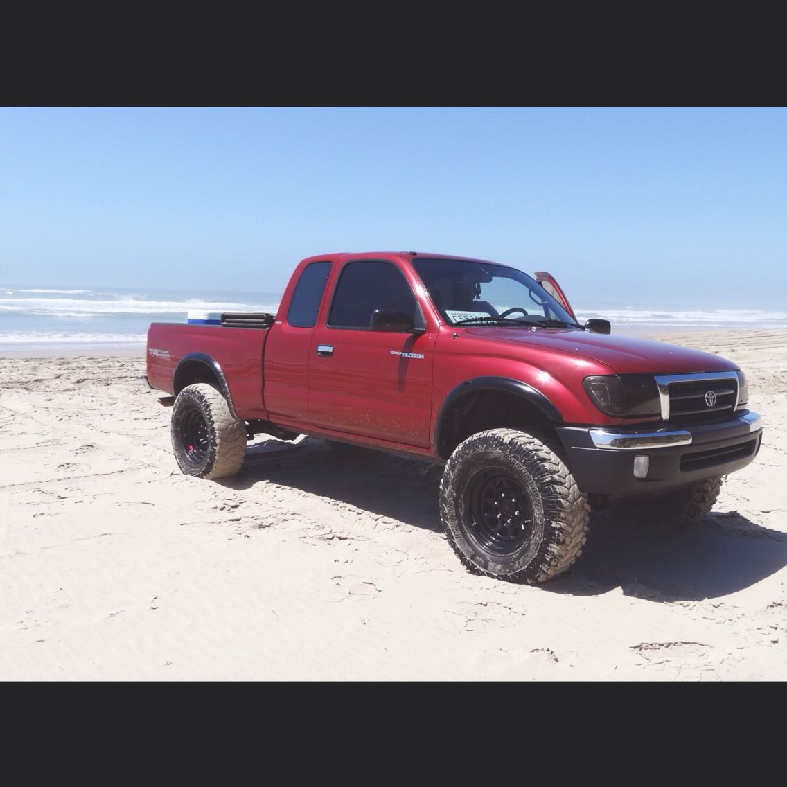1998 toyota tacoma trd with lift and 285 75 16 cooper stt
